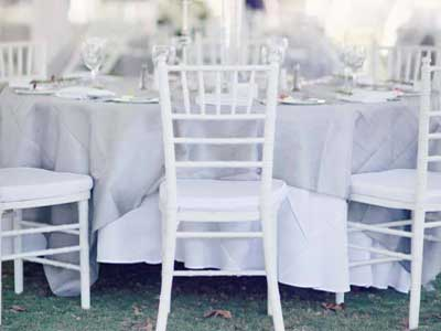 White-chiavari-chairs-wedding